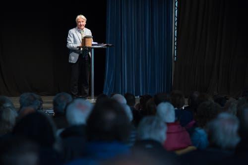 Emil Steinberger bei seiner Dankesrede auf der Luga-Eventbühne. (Bild: Pius Amrein, Luzern, 29. April 2019)