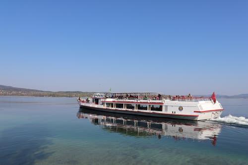 Die Schweizerische Schifffahrtsgesellschaft Untersee und Rhein AG fährt die Strecke drei- bis viermal pro Tag. (Bild: Marlen Hämmerli)