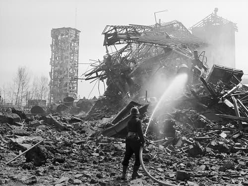 Die gewaltige Explosion am 8. April 1969 in der Sprengstoff-Fabrik in Dottikon AG tötete 18 Menschen. (Archivfoto) (Bild: KEYSTONE/STR)