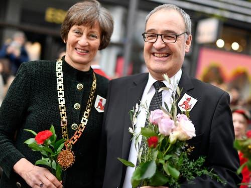Bundesrat Guy Parmelin und ETH-Rektorin Sarah Springman am Sechseläuten 2019. (Bild: KEYSTONE/WALTER BIERI)