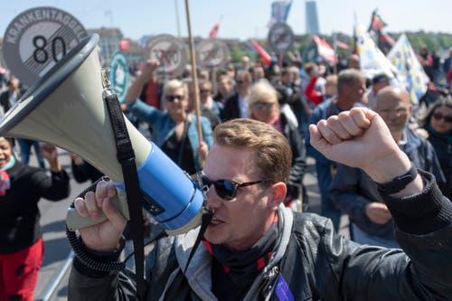 Kundgebung in Basel. (KEYSTONE/Georgios Kefalas)