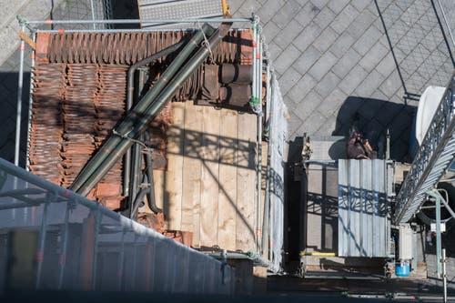 Blick vom Dachstock Richtung Franziskanerplatz. (Bild: Boris Bürgisser, 1. Mai 2019)