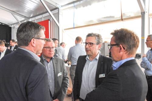 Thomas Nüesch, Clientis Bank Thur, Christian Nüssli, Peka Pinselfabrik AG, Peter Langenegger, Ebnat AG und Jürg Nüssli, Peka Pinselfabrik AG (von links). (Bild: Urs M. Hemm)