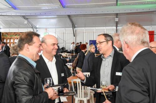 Marcel Erni (BWZ Toggenburg), Urban Koller (Raiffeisenbank Mittleres Toggenburg), Philippe und Fritz Schiess (beide Fritz Schiess AG) (von links). (Bild: Urs M. Hemm)