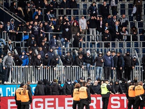 """GC-""""Fans» machten sich auch in Luzern ans Werk - und machten GCs bitteren Tag zu einem noch bittereren (Bild: KEYSTONE/ALEXANDRA WEY)"""