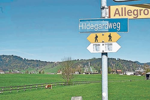 In Einsiedeln wurde gestern der Lincolnweg in den Hildegardweg umgetauft.