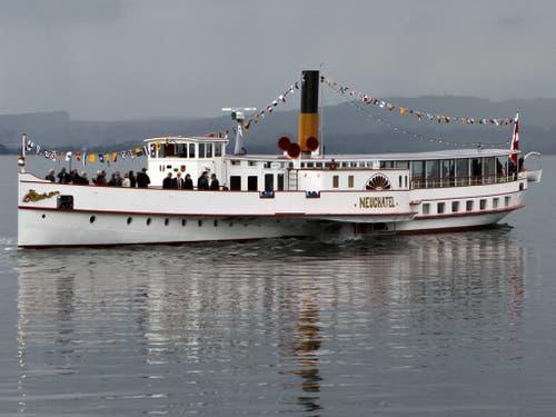 Der Dampfer «Neuchâtel» fährt seit seiner Renovation ab 2014 wieder auf Murten- und Neuenburgersee. Künftig geht die Fahrt auch nach Biel. (Bild: Keystone/SALVATORE DI NOLFI)