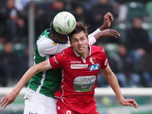 Nur mit vollem Einsatz, wie ihn hier Stürmer Roberts Uldrikis zeigt, wird Sion im Match gegen Neuchâtel Xamax bestehen können (Bild: KEYSTONE/EDDY RISCH)