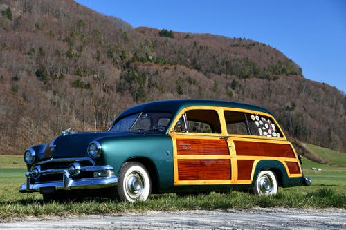 Ford Custom Country Squire Station Wagon 1951