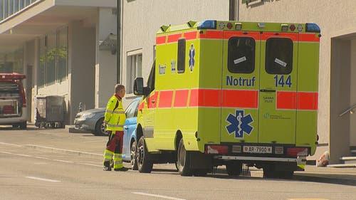 Auch die Ambulanz ist ausgerückt. (Bild: BRK News)