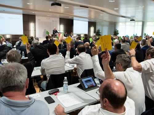 Die Delegiertenversammlung des Schweizerischen Fussballverbands ging in Ittigen über die Bühne (Bild: KEYSTONE/PETER SCHNEIDER)