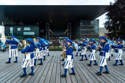 Die Lucerne Marching Band im Einsatz. (Bild: Philipp Schmidli, Luzern, 18. Mai 2019)