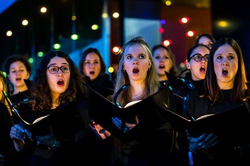Der 21st Century Chorus beim abschliessenden Gemeinschaftskonzert. (Bild: Philipp Schmidli, Luzern, 18. Mai 2019)