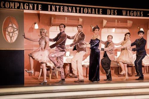 «I'm a train» von Albert Hammond ist eines von vielen Zugliedern, die im Musical witzig choreografiert werden. (Bilder: Adriana Ortiz Cardozo)