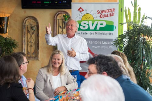 Wahlfeier von Paul Winiker im Crazy Cactus an der Baselstrasse. (Bild: Dominik Wunderli, Luzern, 19. Mai 2019)