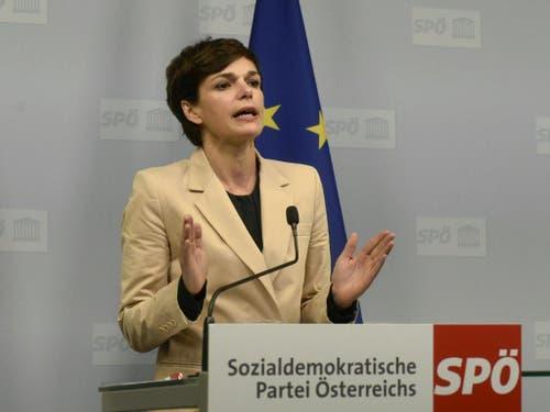 Die SPÖ-Vorsitzende Pamela Rendi-Wagner sprach von einer «veritablen Staatskrise» und erklärte, es müssten alle Ministerposten mit Experten besetzt werden. (Bild: KEYSTONE/APA/APA/HERBERT PFARRHOFER)
