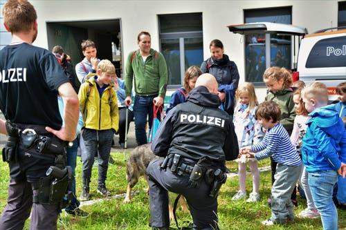 Eine lehrreiche Zeit bei der Polizei. (Bild: Stiftung Fokus Familie)