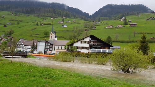 Die Thur in Alt St.Johann (Bild: TVO/Tobias Lenherr)