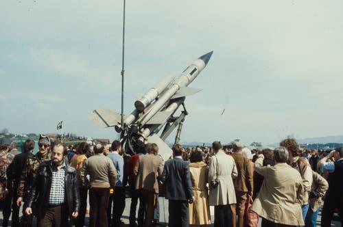 Bloodhound Lenkwaffe BL-64 bei einer Ausstellung im Jahr 1981 auf dem Flugplatz Emmen. (Bild: ETH-Bibliothek Zürich, Bildarchiv)