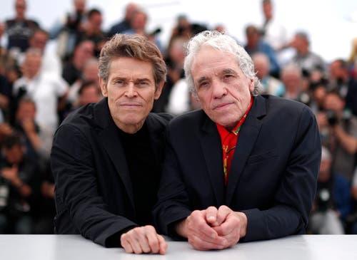 Regisseur Abel Ferrara (rechts) und der Schauspieler Willem Dafoe (links) > Fototermin «Tommaso» (EPA/IAN LANGSDON)