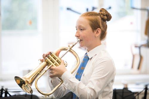 Die Jugendmusik Santenberg beim Einspielen. (Bild: Manuela Jans-Koch, Altishofen, 25. Mai 2019)