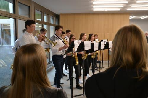 Die Big Band der Musikschule spielte am Eröffnungstag auf.