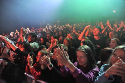 Begeistertes Publikum beim Konzert von Bligg. (Bild: Urs Hanhart, 25. Mai 2019)