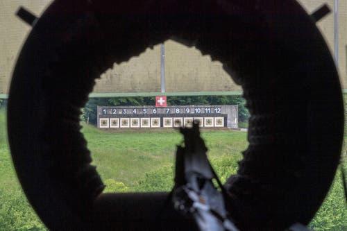 Beim Eidgenössischen Feldschiessen wird auf die getarnte B4-Scheibe geschossen. (Bild: Urs Bucher - 25. Mai 2019)