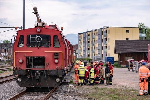 Für den Kurs hatten die SBB einen Löschzug zur Verfügung gestellt. (Bild: Sascha Erni)