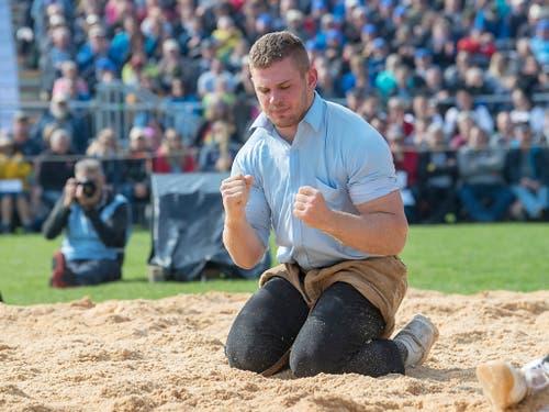 Remo Käser, Sohn von Schwingerkönig Adrian Käser, war zuletzt im Aufwind. Ein heisser Tipp für die Saison (Bild: KEYSTONE/MARCEL BIERI)