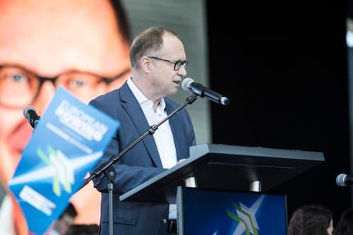 Stadtrat Martin Merki spricht zu den Anwesenden. (Bild: Manuela Jans-Koch/Luzerner Zeitung, Luzern, 30. Mai 2019)