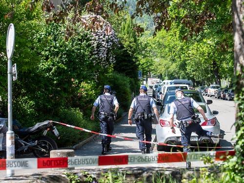 Die Polizei war mit einem Grossaufgebot vor Ort. (Bild: KEYSTONE/ENNIO LEANZA)