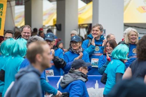 Die Läufer werden eifrig angefeuert. (Bild: Pius Amrein, 4. Mai 2019)
