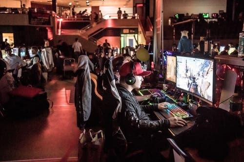 Zum elften mal findet in der Stadthalle Lock and Load statt. ein E-Sports Anlass mit 512 Gamern.Fotografiert am 3. Mai in 2019 in Sursee Nadia Schärli / Luzernerzeitung