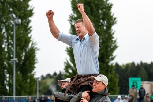 Pirmin Reichmuth gewinnt das 100. Zuger Kantonalschwingfest in Rotkreuz. (Bild: KEYSTONE/Alexandra Wey, Rotkreuz, 5. Mai 2019)
