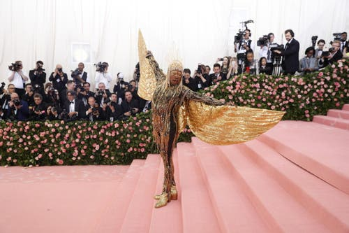 Billy Porter an der Met Gala in New York. (Bild: KEYSTONE/EPA/JUSTIN LANE)