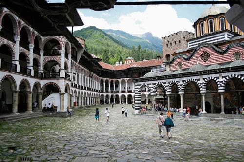 Kaum eine kulturelle Stätte verkörpert die Identität der Bulgaren stärker als das Kloster von Rila.