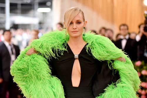 Amber Valletta an der Met Gala in New York. (Bild: Charles Sykes/Invision/AP)