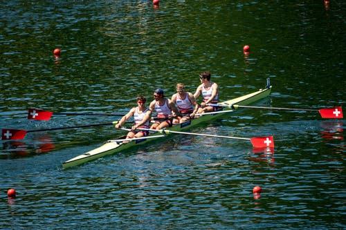 Augustin Maillefer, Paul Jacquot, Joel Schürch und Markus Kessler im Halbfinal der Männer. (Bild: KEYSTONE/Alexandra Wey)