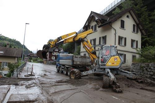 In Gurtnellen löste das viele Wasser eine Schlammlawine aus. (Bild: Florian Arnold, Gurtnellen, 11. Juni 2019)
