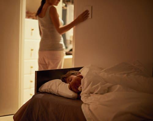 Zwischen Mutterliebe und Missbrauch: Fachleute gehen von einer hohen Dunkelziffer aus. (Bild: Getty)