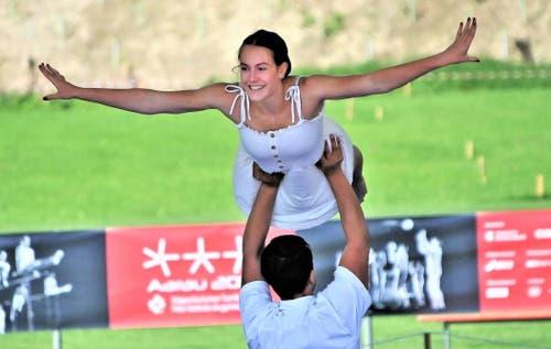 Die Gymnastik-Präsentationen bieten viel Eleganz. (Bild: Ueli Wild)