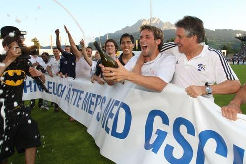 Es gibt zu feiern: Luzerns Michel Renggli. (Bild: Philipp Schmidli, Luzern, 13. Juni 2009)