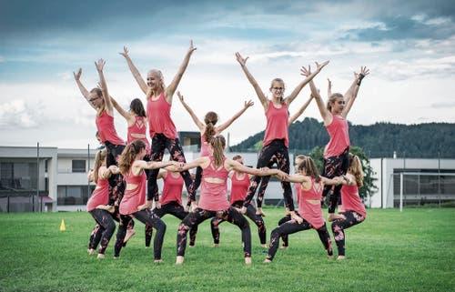 Proben können durchaus mit Freude absolviert werden, wie die Jugend des STV Ettiswil eindrücklich unter Beweis stellt. (Bild: Pius Amrein (Ettiswil, 3. Juni 2019))