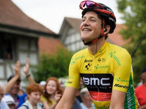 Stefan Küng hat das Gelbe Trikot bereits 2017 und 2018 bei seinen ersten beiden Starts an der Tour de Suisse jeweils ein paar Tage lang getragen (Bild: KEYSTONE/GIAN EHRENZELLER)