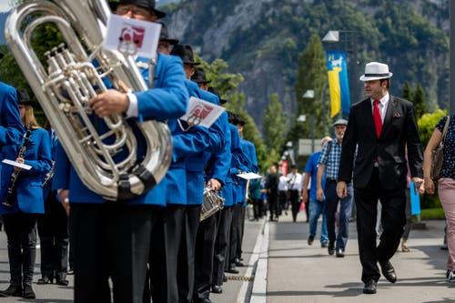 ... denn den Juroren – hier links mit Hut und roter Krawatte – fällt jede Ungereimtheit auf. (Bild: Philipp Schmidli, Hergiswil, 15. Juni 2019)