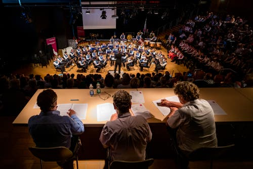 Auch hier bewerten Juroren die Auftritte. (Bild: Philipp Schmidli, Hergiswil, 15. Juni 2019)