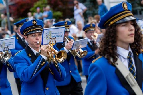 Die Musikgesellschaft Pfeffikon bei der Parademusik. (Bild: Philipp Schmidli, Hergiswil, 15. Juni 2019)