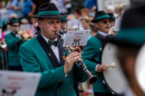 Die Feldmusik Beckenried bei der Parademusik. (Bild: Philipp Schmidli, Hergiswil, 15. Juni 2019)
