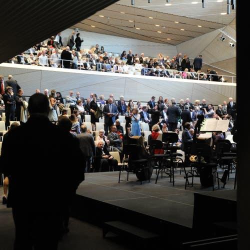 Die Berliner Philharmoniker gaben am Sonntag, 16. Juni 2019, das Eröffnungskonzert in der neuen Konzerthalle in Andermatt. (Bild: Urs Hanhart, Andermatt, 16. Juni 2019)